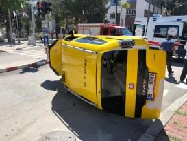 Burdur'da otomobil ile taksi çarpıştı: 8 yaralı