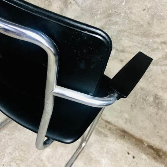 Gispen stoel 1125 in zwart