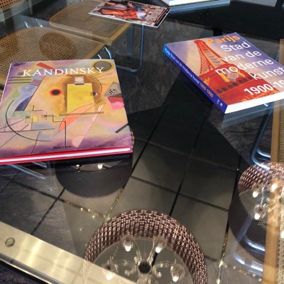 Glazen tafel met RVS onderstel