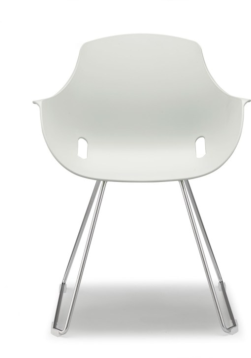 Ago Chair, voorkant, sledeframe chroom met moderne-kuipstoel kleur wit. Bureaustoelen MKB