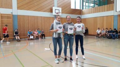 07_Mädchen 8. Klasse (v. l. n. r.) 2. Platz Pia Wallek, 1. Platz Jule Jeckel, 3. Platz Tina Wollweber
