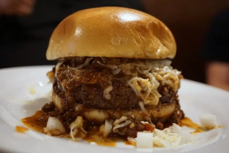 KUSH Chili Burger