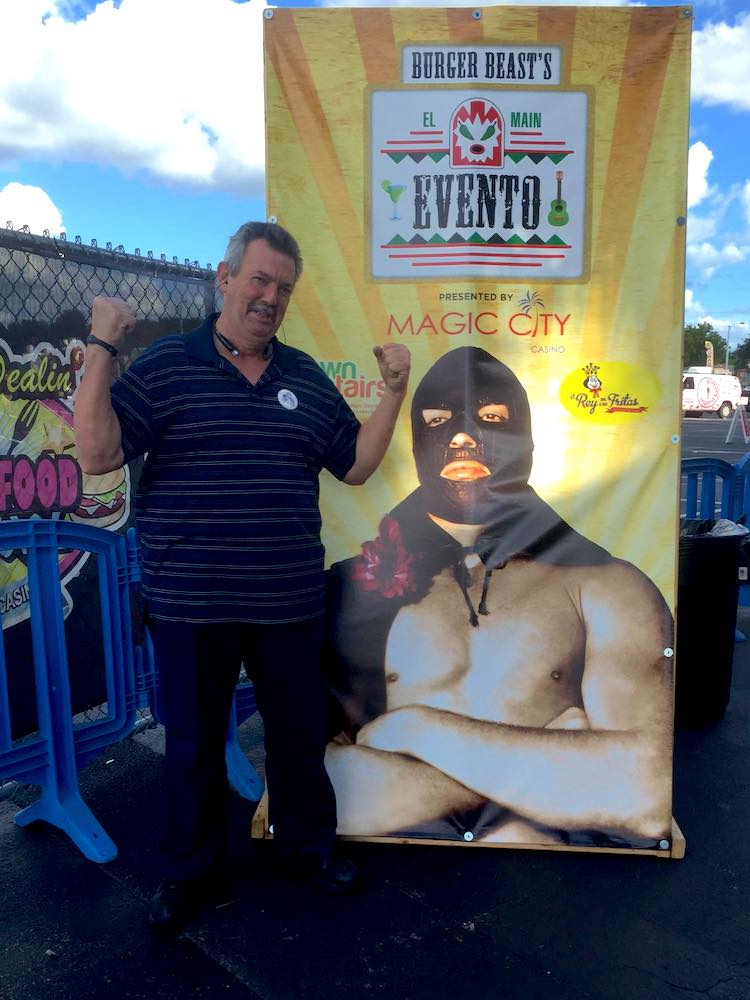 My Dad with EL Main Evento Cruz Diablo Banner