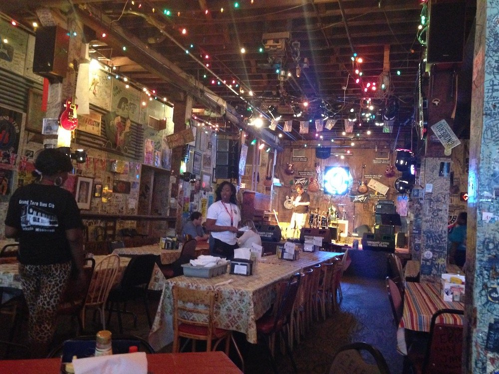 Inside of Ground Zero Blues Club
