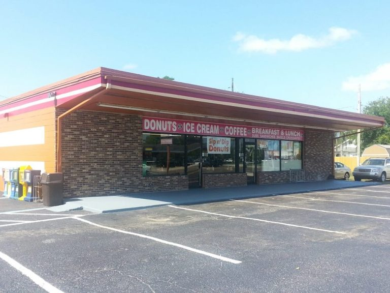 Sip n' Dip Donuts in St. Cloud, Florida
