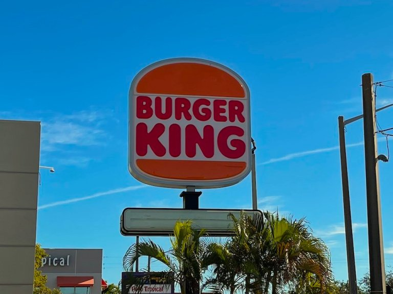 Burger King's NEW Retro Logo out in the Wild