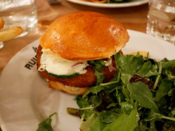 burger végétarien au Ruisseau