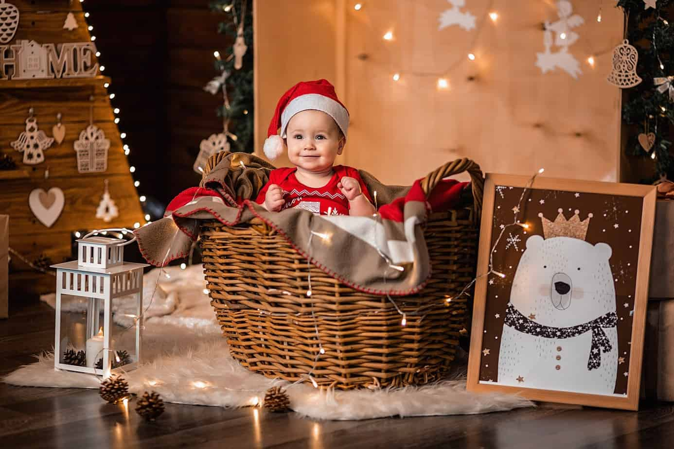Baby Announcement: 7 Christmas Themed Baby Gender Reveal Ideas (2020)