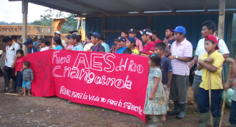 Fuera AES Changuinola de Charco La Pava