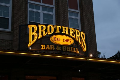 Brothers-Bar-Sign-30