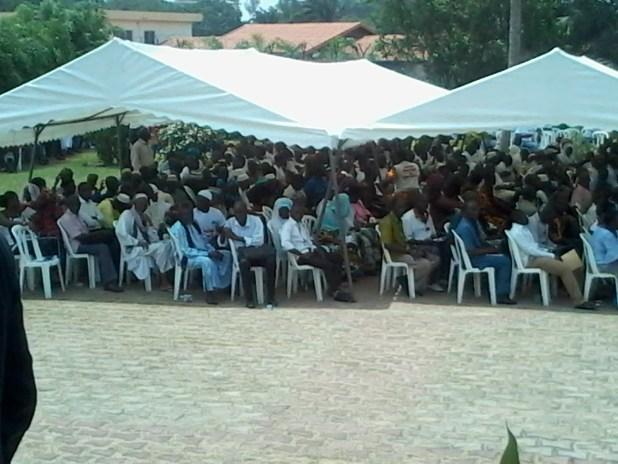 20150309 110539 Auguste Denise Barry, le ministre Burkinabé de l'administration du territoire et de la décentralisation dans le gouvernement Zida, échappe à un lynchage au consulat du Burkina Faso à Abidjan