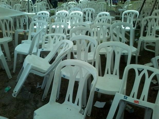 20150309 114712 Auguste Denise Barry, le ministre Burkinabé de l'administration du territoire et de la décentralisation dans le gouvernement Zida, échappe à un lynchage au consulat du Burkina Faso à Abidjan