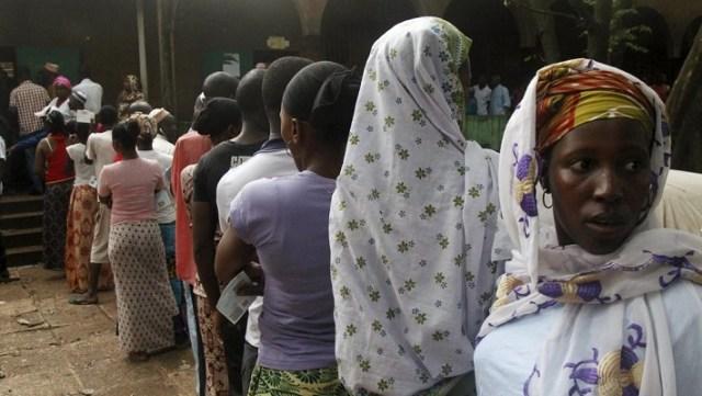 Mobilisation devant les bureaux de vote