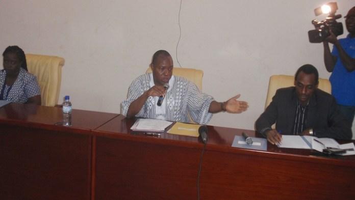 C'est entouré de ses plus proches collaborateurs que le ministre Alfa Oumar Dissa a décliné aux PTF la vision et politique énergétiques du gouvernement burkinabè