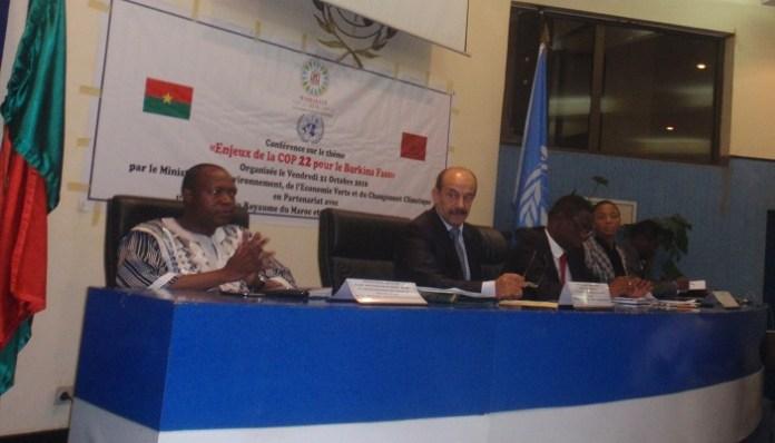 Au présidium, les acteurs clés de la réussite de la participation du Burkina à Marrakech 2016