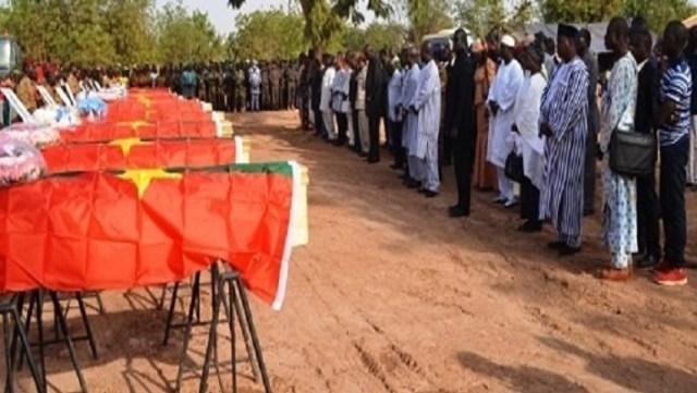 Moments de recueillements sur les dépouilles des 12 soldats
