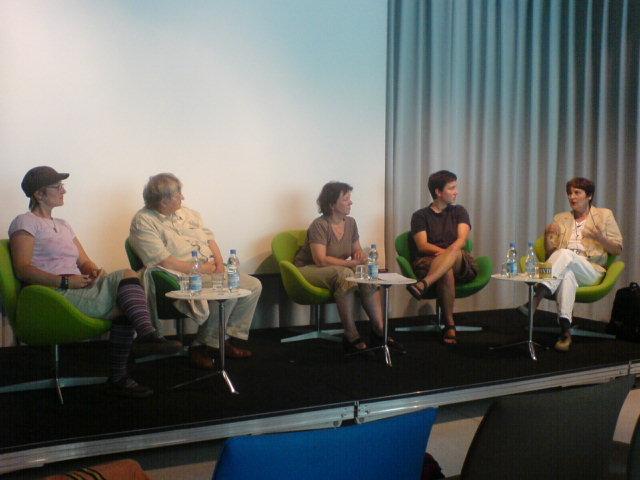 Podiumsdiskussion mit Moderatorin Imma Harms (Mitte)