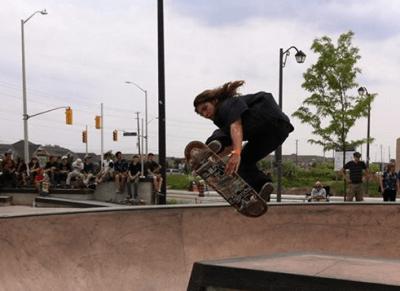 Skateboarding Norton elements