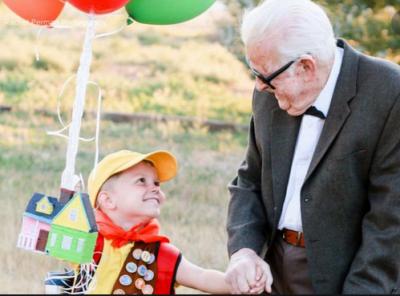 grandparent - boy ballons
