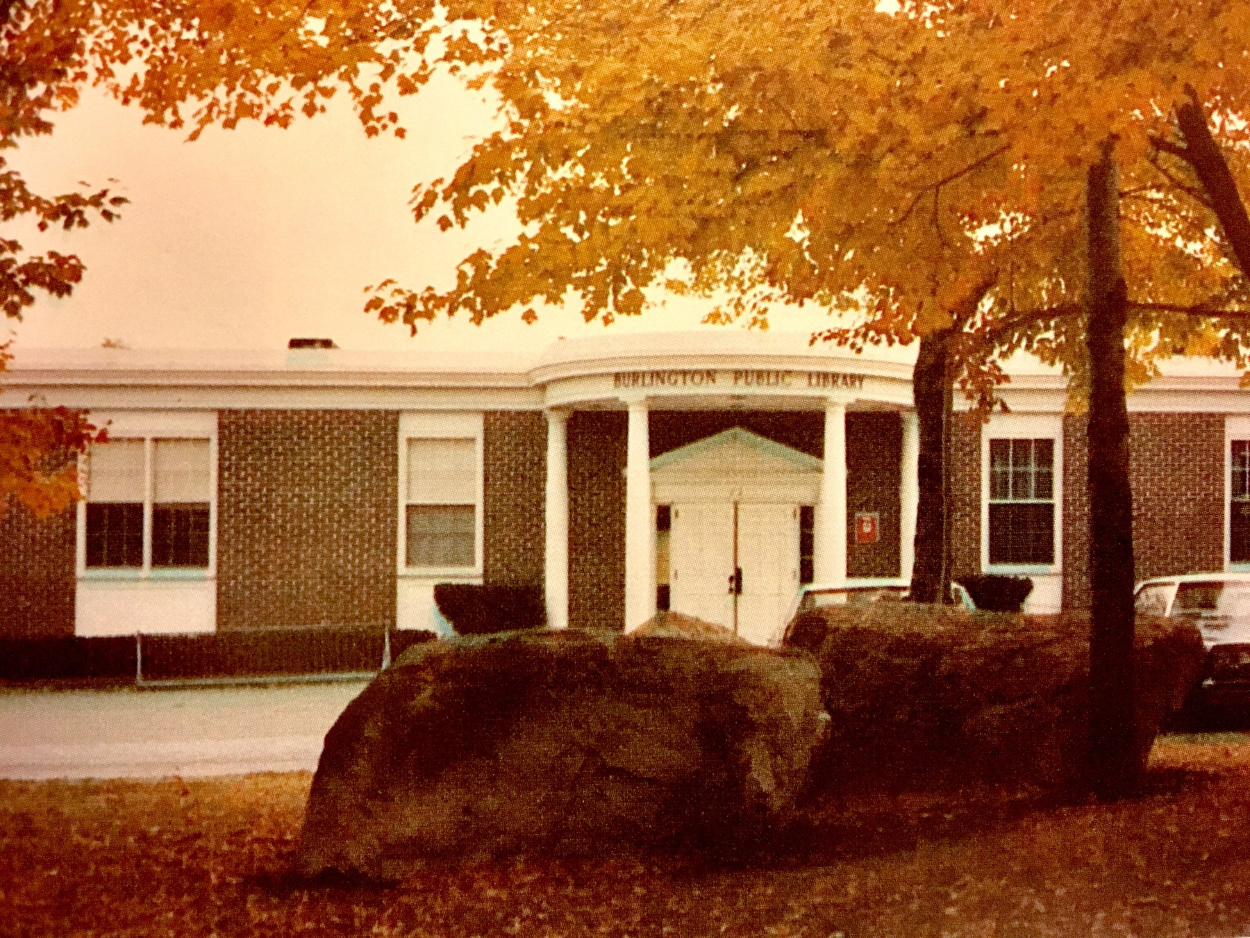 One-floor Burlington Public Library, mid 1970s