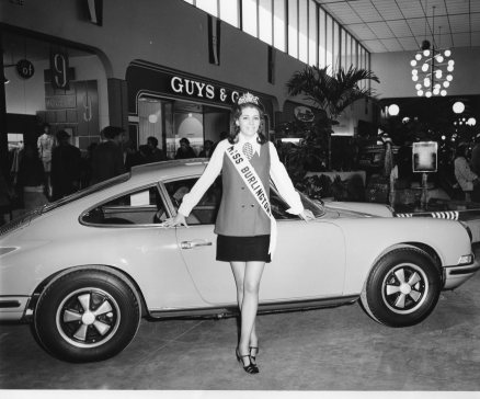 Miss Burlington with Porsche 911