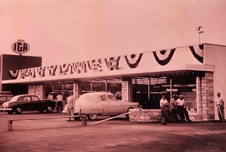 IGA Foodliner just opened, Burlington MA mid 1950s