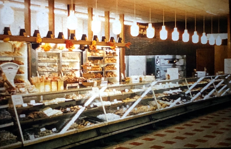 IGA bakery shelves Burlington MA