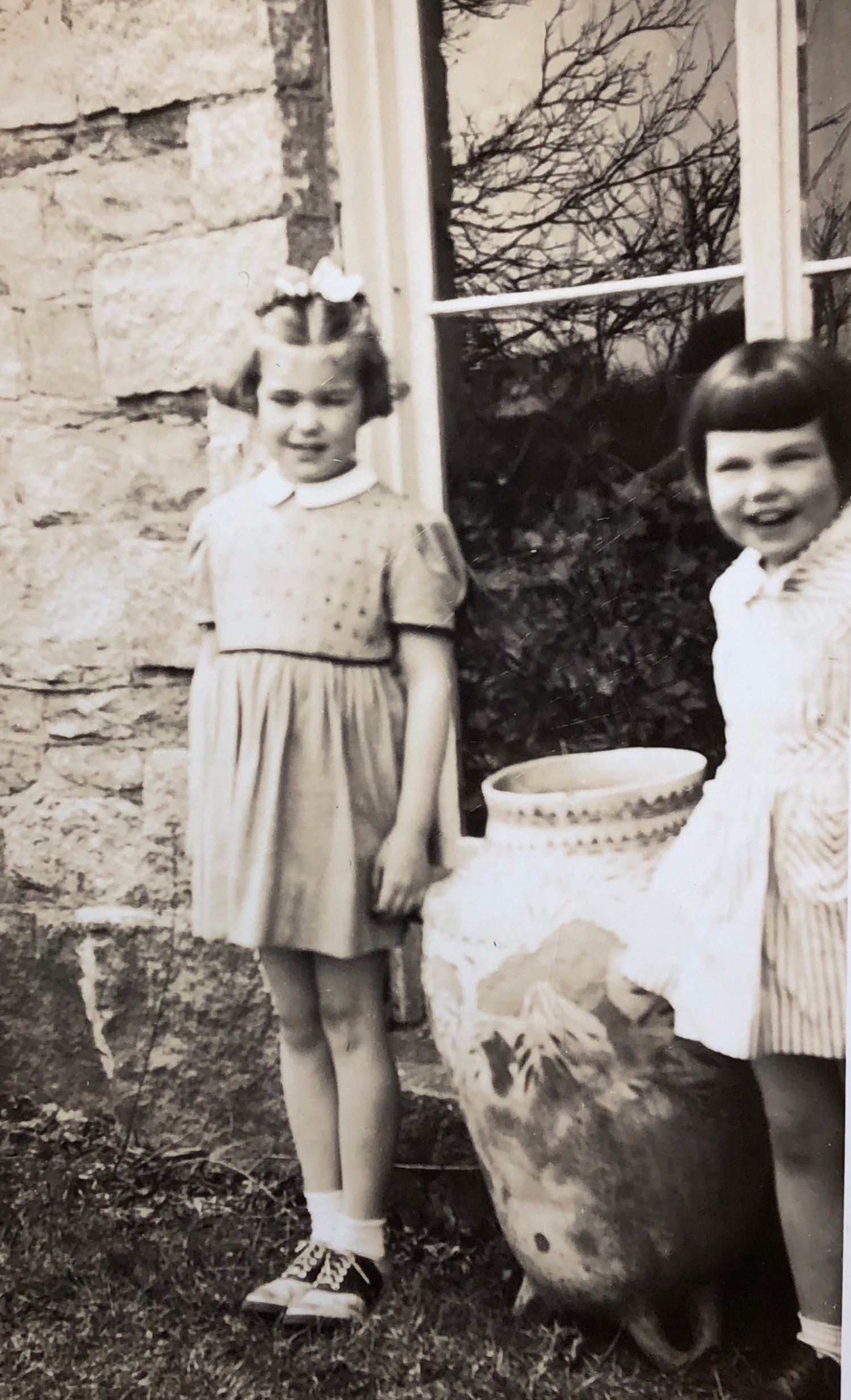 Clare (l) and Tali Burns