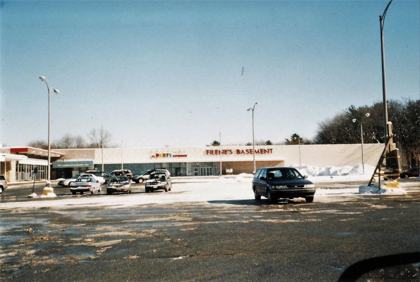 Filene's Basement, Burlington MA