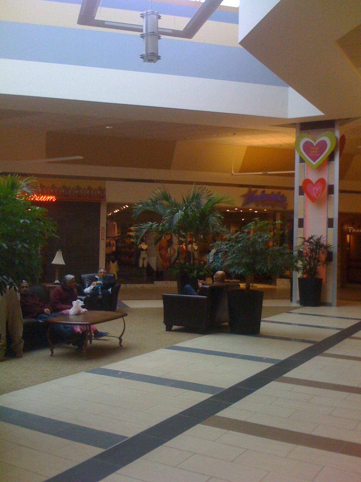 Woburn Mall 2001 -5