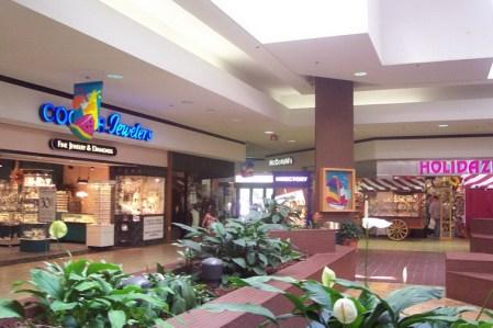 Woburn Mall 2001 -14