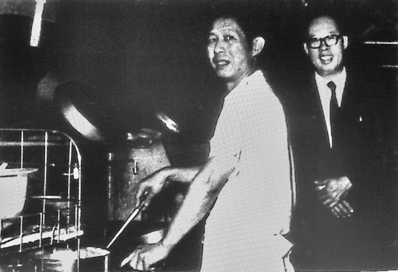 Tom Wong (right)