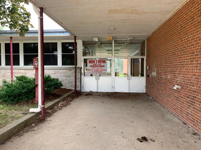 Daniel P. Hurld Elementary School 11 Woburn MA