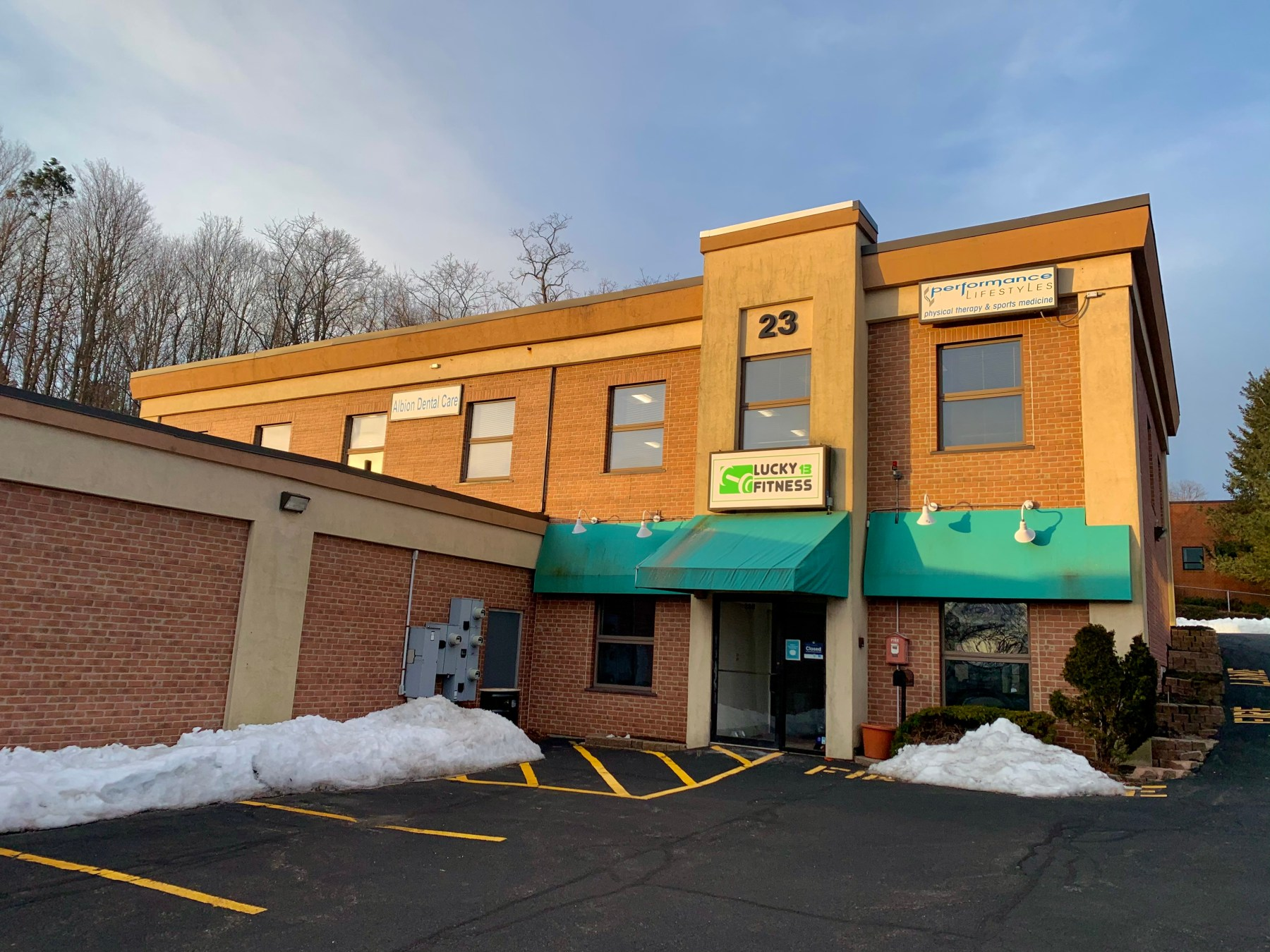 23 Cambridge Street, Burlington MA. Lucky Fitness, Performance Lifestyles and Albion Dental Care