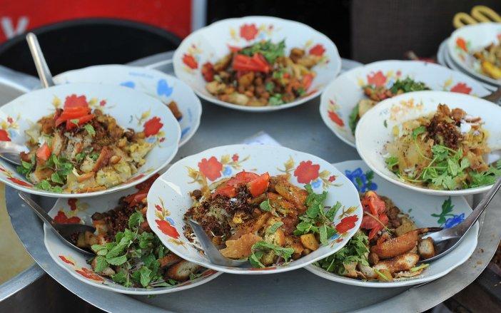 Kaunh-Moat-Yangon-street-food