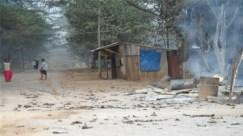 နိုဝင်ဘာ ရွေးကောက်ပွဲ အပြီး နယ်ခြားစောင့်တပ် လက်မခံ ဒီကေဘီအေ အဖွဲ့က ဘုရားသုံးဆူမြို့သို့ ဝင်ရောက်တိုက်ခိုက်ပြီး မီးရှို့ဖျက်ဆီးခံရသည့် အက်စ်ပီ ရုံး မြင်ကွင်း ( ဓာတ်ပုံ - လွတ်လပ်သောမွန် သတင်းအေဂျင်စီ )