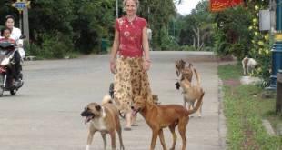 ခွေးလေခွေးလွင့်အရေအတွက် ထိန်းချုပ်ရေးနှင့် ကုသရေးအတွက် လုပ်ပေးနေသူတဦး