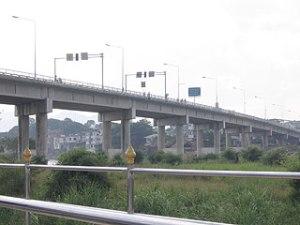 ထိုင်း-မြန်မာ ချစ်ကြည်ရေးတံတား မြဝတီ - မဲဆောက် ( ဓာတ်ပုံ - အင်တာနက် )