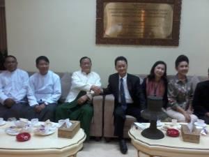 ထိုင်း-မြန်မာ စီးပွားလုပ်ငန်းရှင်များအမှတ်တရဓါတ်ပုံ(GS)