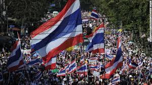 ထိုင်းအစိုးရအားဆန္ဒပြနေပုံ(Internet)