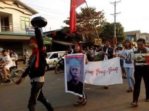 ထားဝယ်ကျောင်းသားများ မုဒုံမြို့တွင် ချီတက်ဆန္ဒပြစဉ်(Facebook)
