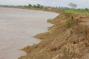 ချောင်းဆုံမြို့နယ်တွင် ကမ်းပါးပြိုကျနေပုံ(MNA)