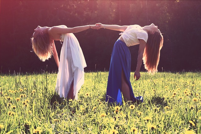 How to Create Meaningful Female Friendships