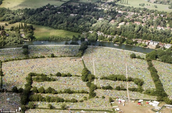 Waste from the 2013 Reading Festival in the UK (Daily Mail)