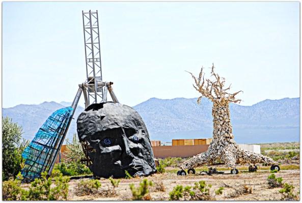 bone tree skull ranch-burning_man4