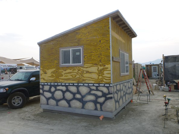 burning-man-tiny-house24