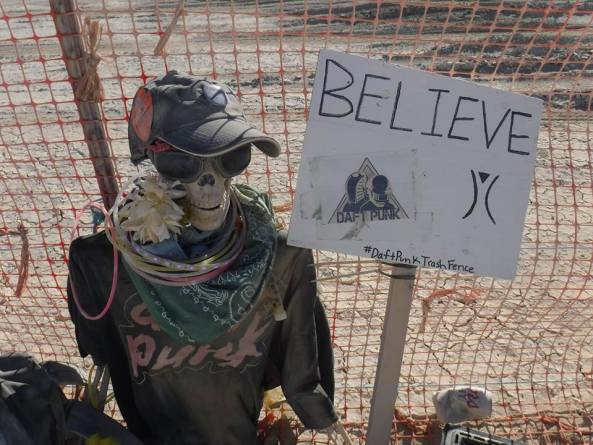2015 daft punk trash fence