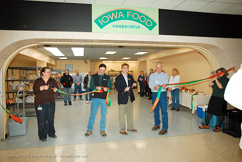 Carolyn Ross (IFC board), Jason Jones (IFC board), Adam Gross(Governor's office) and Gary Huber (IFC General Manager) cut the ribbon opening the Iowa Food Cooperative storefront. The first delivery day of the Iowa Food Cooperative at Merle Hay Mall. The Iowa Food Cooperative allows consumers to order local products online from Iowa producers and then pick them up at a storefront in Merle Hay Mall.