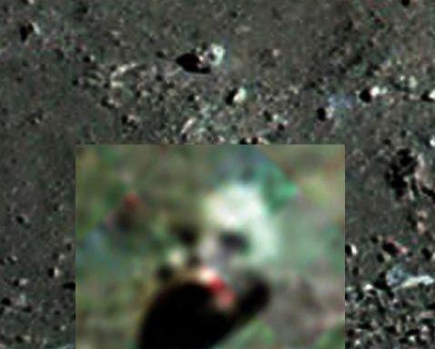 Robot head on the Moon