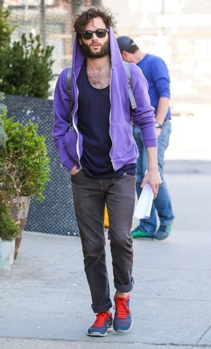 A bearded Penn Badgley, fooling no one but himself.